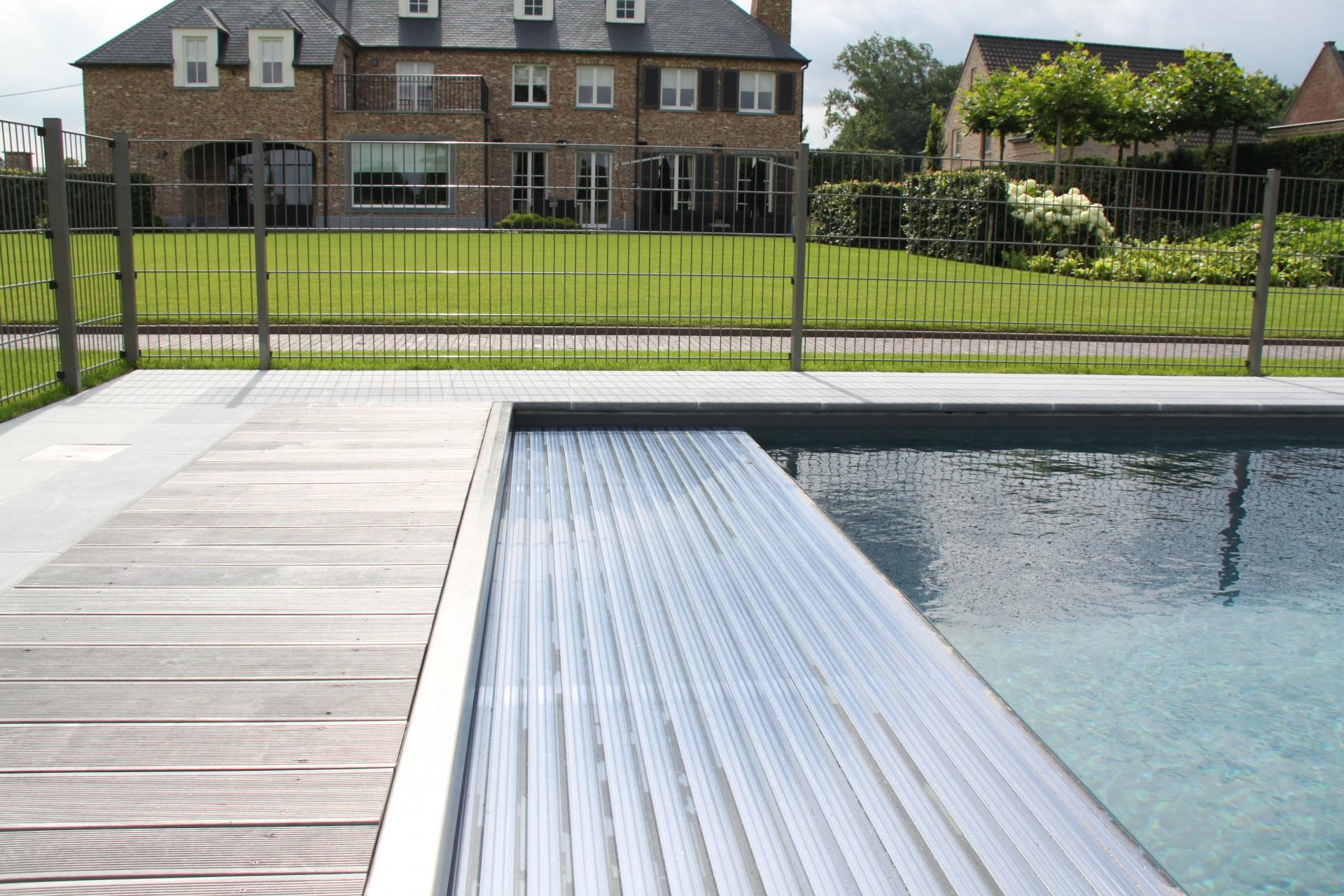 Aanleg van uw zwembad with opbouw zwembad laten plaatsen for Kostprijs zwembad plaatsen